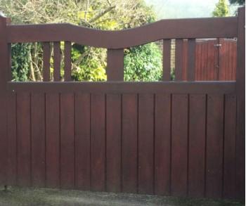 Combe Gate 1.050h x .900w