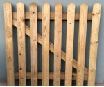 Nailed Wicket Gate .900 x .900 R/H